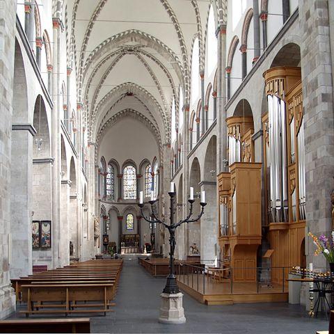 http://upload.wikimedia.org/wikipedia/commons/thumb/6/63/St._Kunibert_K%C3%B6ln_-_Langhaus_Richtung_Osten.jpg/480px-St._Kunibert_K%C3%B6ln_-_Langhaus_Richtung_Osten.jpg?uselang=ru