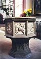 Stadtkirche Taufstein 12.11.1995.jpg