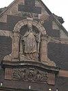 standbeeld voorstellende sint nicolaas, sint nicolaaskerk, amsterdam centrum