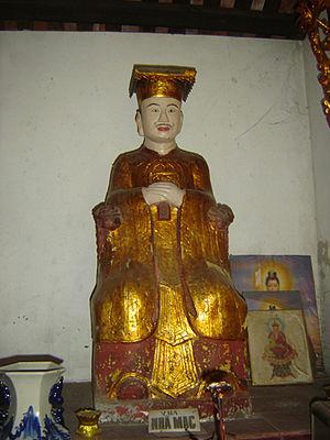 Mạc Thái Tông - Image: Statue of Emperor Mạc Thái Tông