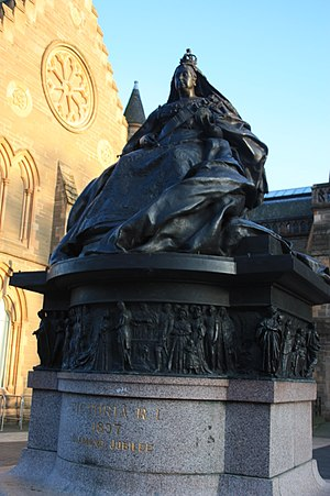 Harry Bates (sculptor) - Statue of Queen Victoria, Albert Square, Dundee by Harry Bates 1899