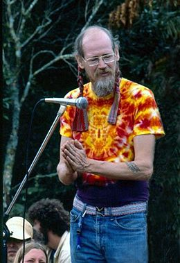 Stephen Gaskin at the Nambassa 3 day Music & Alternatives festival, New Zealand 1981. Photographer Michael Bennetts.jpg