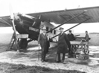 Deruluft - A Deruluft Dornier Merkur at the opening of Stettin Airstrip 1927. Second from left, Stockholm Municipal commissioner Yngve Larsson.