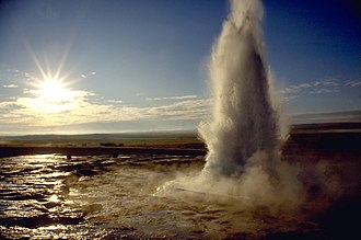 Geyser - Image: Strokkur geyser eruption, close up view