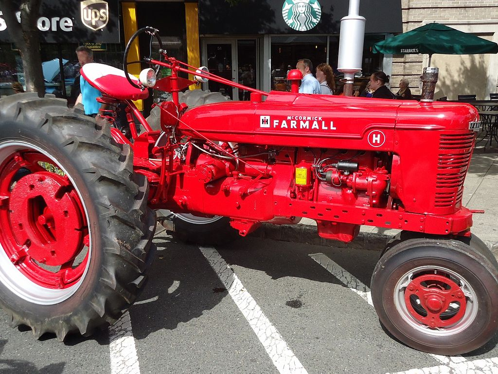 Red Brand New Farmall Tractors : File summit new jersey car show sept red tractor