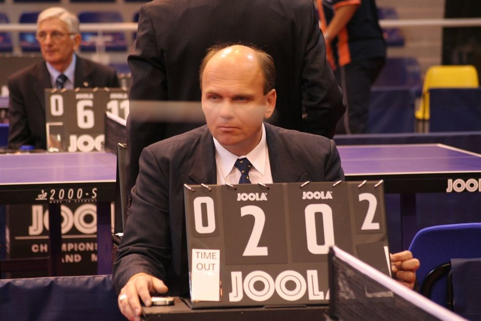 Table tennis umpire