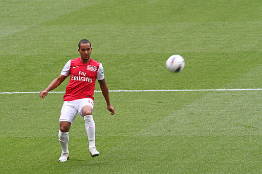 Theo Walcott vs Swansea 2011