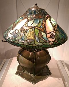 Tiffany lamp 1905 de Young.jpg
