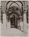 Toegangspoort tot het Paleis van de Rector te Dubrovnik Ragusa. Porta principale dei Palazzo del Rettori. (titel op object), RP-F-1919-179.jpg