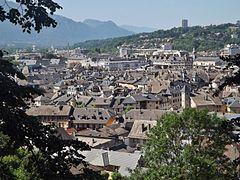 Toits centre ancien Chambéry (2014).JPG