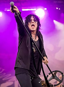 Tom Keifer performing in San Antonio, Texas (2018-04-21) (41041918704).jpg