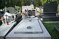Tomb of Aniela and Jan Hnatuśko at Central Cemetery in Sanok 1.jpg
