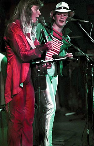 Topp Twins - The Topp Twins performing in 1981