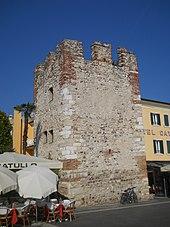 Vestigia delle fortificazione medievali.