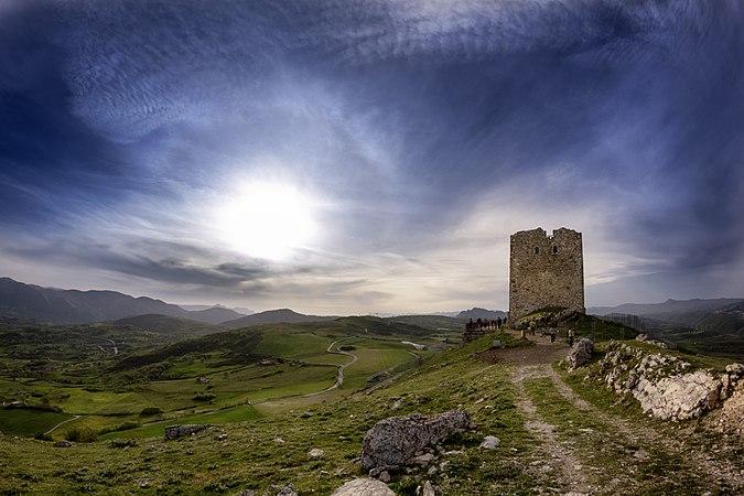 Torre di Satriano 001.jpg