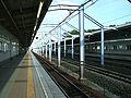 Toyo-kosoku-Hasama-station-platform.jpg