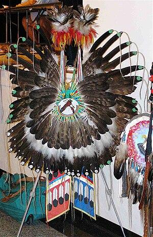 Bustle (regalia) - Image: Traditional Bustle 1