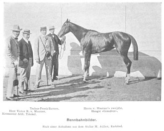 """Frank Butters - Jockey Arthur Tränkel, Mr. Victor von Mautner, Frank Butters (third from the left) and an unidentified fourth person next to Mr. Mautner's two-year-old stallion """"Grandeur"""" in 1901."""