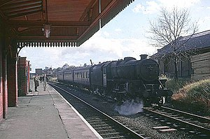 Rugby Central railway station - Image: Train at Rugby Central station