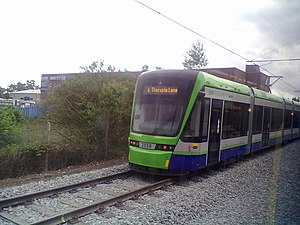 Tramlink route 4 - A Variobahn tram departs Elmers End for Therapia Lane