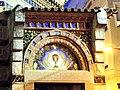 Tympanon kościoła w lloret de mar mozaika hostii.JPG