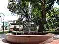 Ulanów - plac zabaw i fontanna na Rynku (09).jpg