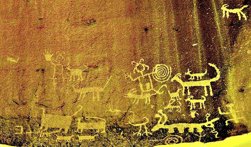 File:Una Vida Chaco Canyon rock art enhanced 2.jpg
