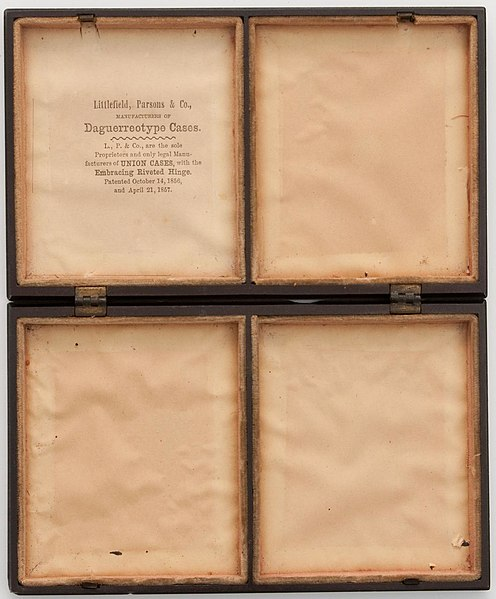 File:Union case by Littlefield, Parsons & Co, containing four sixth-plate ambrotypes (4828067214).jpg