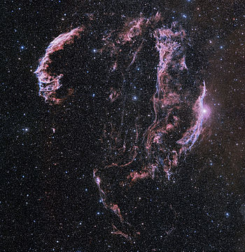English: A wide-field image of the Veil Nebula...