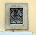 Via senese 16, casa, 03 finestra con iscrizione sacellum.JPG