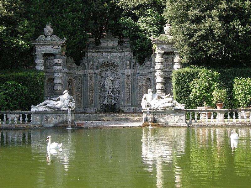Arquivo: Villa Reale di Marlia, Giardino dei Limoni, 03.JPG vasca