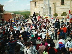Castile and León Day - The 2006 floral offering to the Comuneros in Villalar