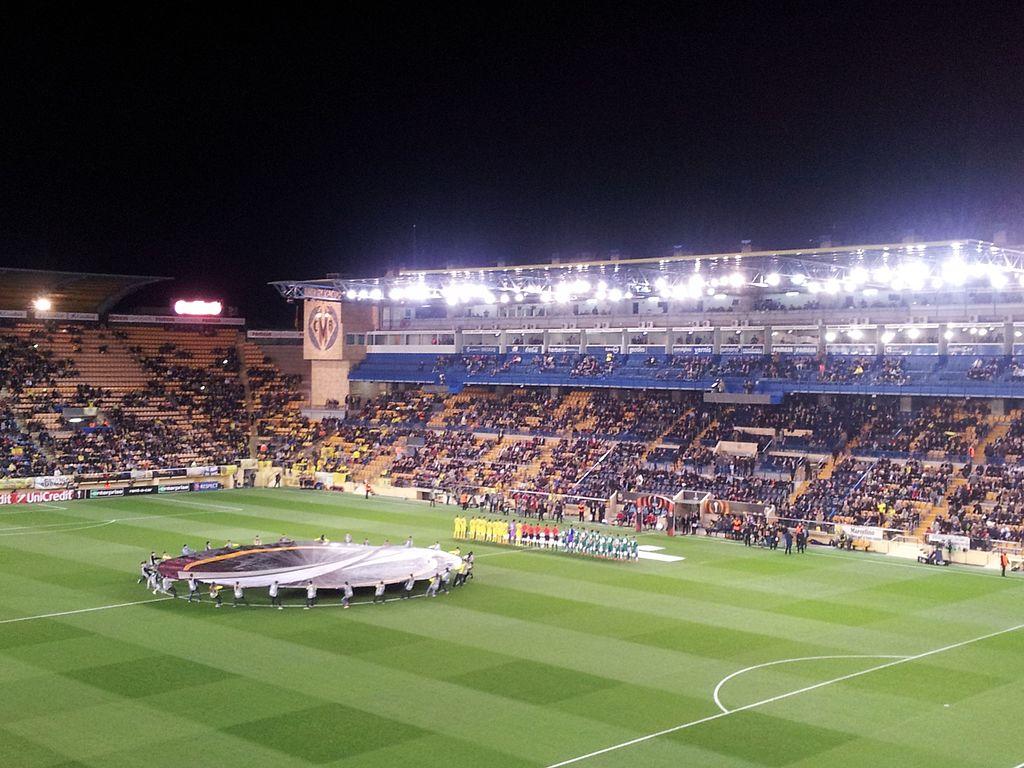 File Villarreal Cf Vs Sk Rapid Wien Europa League 2015 16 Jpg Wikimedia Commons