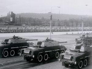 152mm SpGH DANA - DANAs during military parade in Prague, May 1985.
