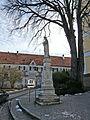 Waal - Marktpl - Mariensäule v W, Schloss.JPG