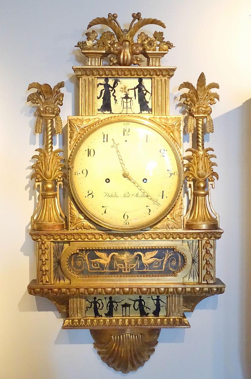 Wall clock, signed by Wilhelm Pauli, Stockholm, c. 1800, carved and gilt wood - Nordiska museet - Stockholm, Sweden - DSC09847.JPG