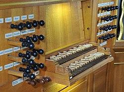 Walle Orgel Spieltisch.jpg