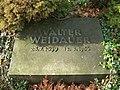Walter Weidauer Grab.JPG