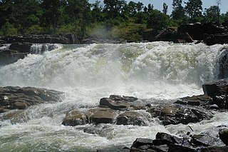 Waterfall on Johilla river, Umaria dist, Madhya Pradesh, India.jpg