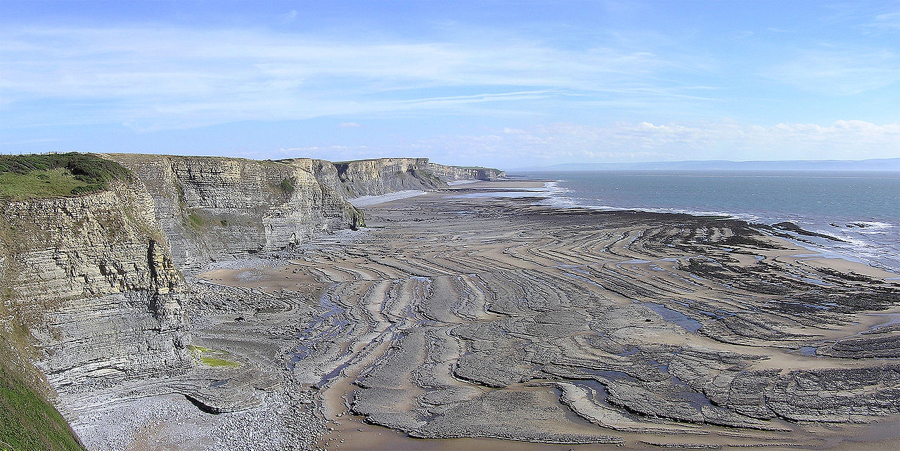 File wavecut platform southerndown wikimedia for Terraced landscape definition