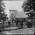 White House Landing, Va., vicinity. St. Peter's Church, with Federal soldiers LOC cwpb.01477.jpg