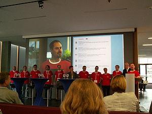 WikiCon 2012-Helfer.JPG