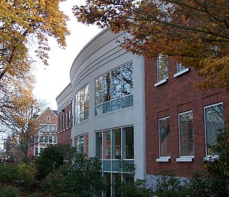 Willamette University College of Law - Exterior of the J. W. Long Law Library, 2006