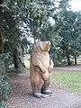 Wood carving of a bear in Kew Gardens - geograph.org.uk - 1179812.jpg