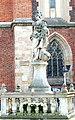 Wrocław, Ostrów Tumski, Madonna z Dzieciątkiem przed archikatedrą św. Jana Chrzciciela.jpg