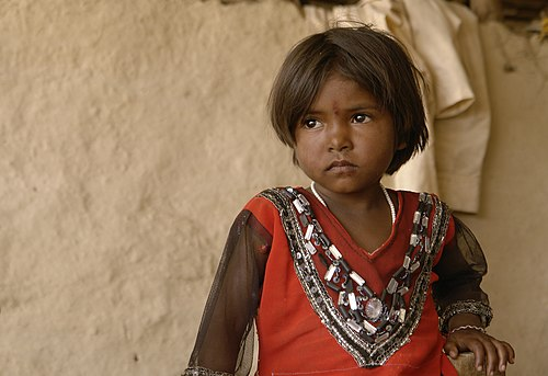 Young Indian girl, Raisen district, Madhya Pradesh.jpg