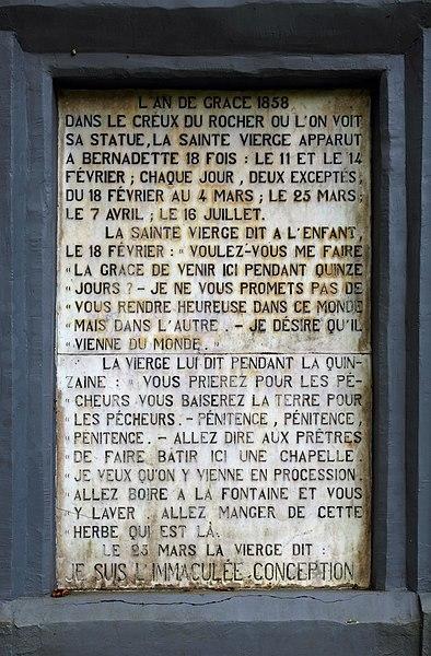 Yvoir (province of Namur, Belgium): Lourdes grotto - detail