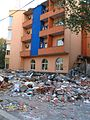 Zborene nelegalni stavby v Tirane-O.jpg