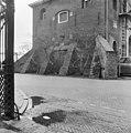 Zijlpoort, steunberen, zijgevel - Leiden - 20133776 - RCE.jpg