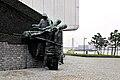 'Monument bij de Maas' Rotterdam (16536917002).jpg